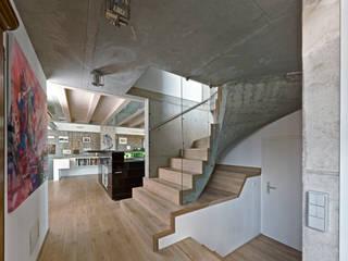 Stadthaus 2 Moderner Flur, Diele & Treppenhaus von HS Architekten BDA Modern