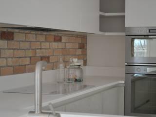 Appartamento S&M di CT home Moderno