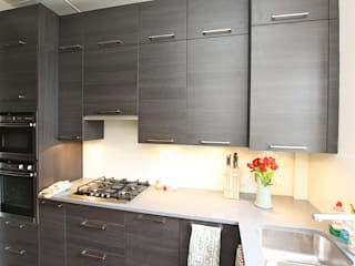 Wood Kitchens Modern kitchen by LWK London Kitchens Modern