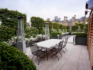 Belgravia Roof Terrace モダンな庭 の Cameron Landscapes and Gardens モダン