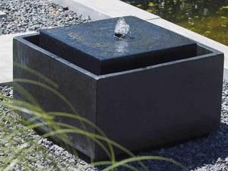 Fontaine de Jardin Jardin minimaliste par Janelabe Minimaliste
