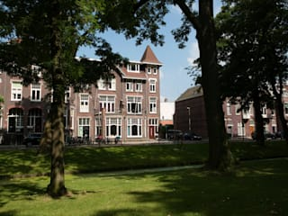 Verbouwing en inrichting herenhuis: klasieke Huizen door StrandNL architectuur en interieur