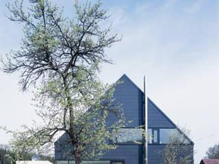 Scandinavian style houses by Bohn Architekten GbR Scandinavian