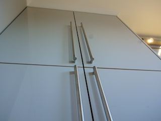 Ultra Gloss Cashmere Cucina Glasgow, City Centre, Scotland Moderne keukens van Glenlith Interiors (Scotland) Ltd Modern