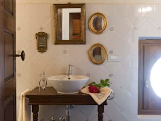 SULLE COLLINE REGGIANE: Bagno in stile  di ADS Studio di Architettura