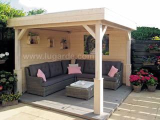 Modern balcony, veranda & terrace by Lugarde BV Modern
