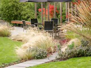 Contemporary Modern Family Garden Jardin moderne par Rosemary Coldstream Garden Design Limited Moderne
