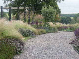 Barn Conversion Country Garden Rosemary Coldstream Garden Design Limited Jardin rural