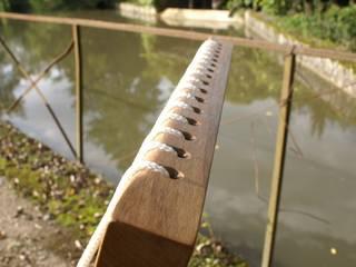 Fauteuil à bascule avec assise en cordelette par Boris Beaulant Ebéniste Moderne