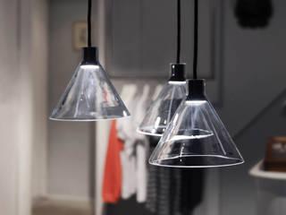 CONE LIGHT SERIE01 Minimalistische Ladenflächen von Bureau Purée Minimalistisch