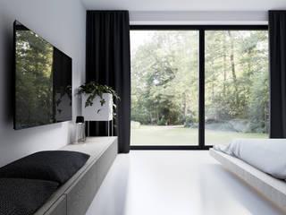 DOM W LUXEMBURGU Minimalistyczna sypialnia od KUOO ARCHITECTS Minimalistyczny