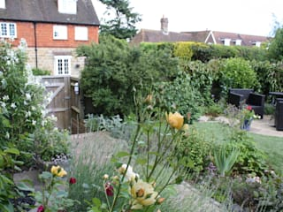 Juliet Sargeant:Garden Design: Garden Studio Allium의  정원
