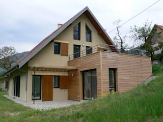 MAISON C à Quaix en Chartreuse: Maisons de style de style Moderne par TESTUD THEVENIN ARCHITECTES
