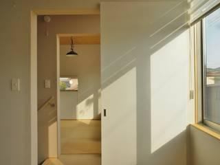 Modern style bedroom by 一級建築士事務所オブデザイン Modern