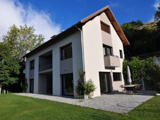 MAISON A à Nante en Rattier: Maisons de style de style Moderne par TESTUD THEVENIN ARCHITECTES