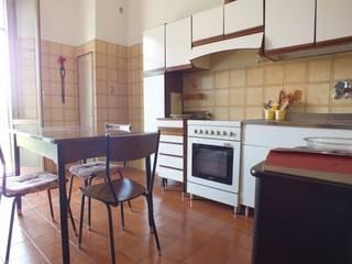 """Appartamento in Bologna semi arredato:  in stile {:asian=>""""asiatico"""", :classic=>""""classico"""", :colonial=>""""coloniale"""", :country=>""""In stile Country"""", :eclectic=>""""eclettico"""", :industrial=>""""industriale"""", :mediterranean=>""""mediterraneo"""", :minimalist=>""""minimalista"""", :modern=>""""moderno"""", :rustic=>""""rustico"""", :scandinavian=>""""scandinavo"""", :tropical=>""""tropicale""""} di Sabrina Home Stager,"""