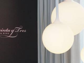 Restaurante Treinta Y Tres - Lagoas Park, Oeiras:   por Traço Magenta - Design de Interiores