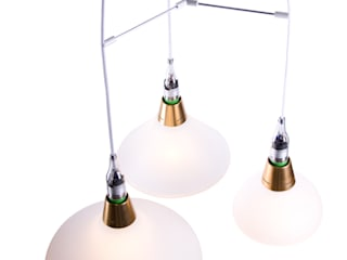 The small, medium and large lamp on our triple pendant.:   door Booo BV