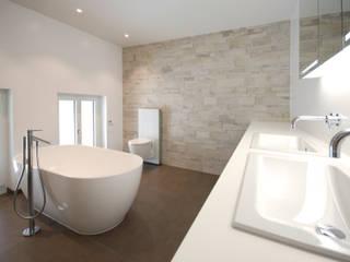 Nowoczesna łazienka od Bogen Design GmbH Nowoczesny