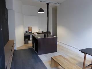 Centre de Yoga à Paris: Salle de sport de style  par Atelier Sompairac Architectes