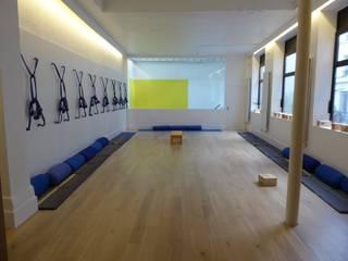 Centre de Yoga à Paris Salle de sport moderne par Atelier Sompairac Architectes Moderne