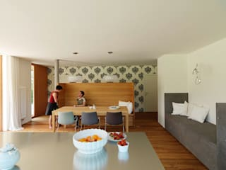 Modern Dining Room by Hohensinn Architektur Modern