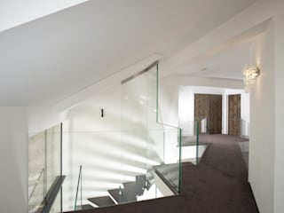 Corridor, hallway by Siller Treppen/Stairs/Scale, Modern