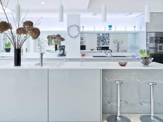 Vicarage Gardens Modern kitchen by Sonnemann Toon Architects Modern