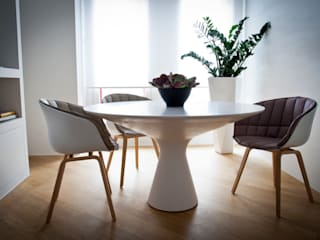 LO SPAZIO MULTIUSO: Soggiorno in stile in stile Moderno di studio di progettazioni DARCHIMIRE