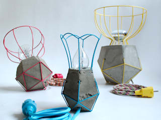 Oma's Lampje & Oma's Vaasje: modern  door Nathaly Furniture and Design, Modern