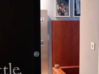 Appartamento privato Bagno minimalista di Giordana Arcesilai Minimalista