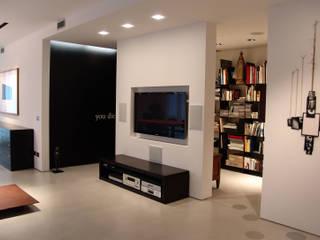 Appartamento privato Soggiorno minimalista di Giordana Arcesilai Minimalista