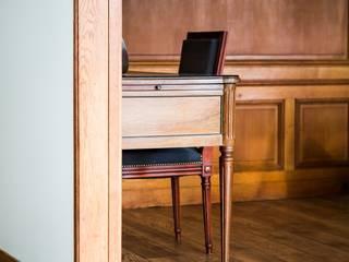 ห้องนั่งเล่น โดย Hélène de Tassigny,