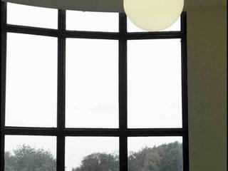 Réalisation des luminaires et horloges de la villa Cavrois Centre d'expositions originaux par Raphaël Armand Luminaires Éclectique