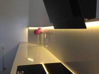 Reforma integral vivienda Cocinas de estilo moderno de RODEK arquitectura interior Moderno
