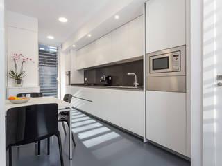Cocina - Grey House | 08023 Arquitectos - Barcelona: Cocinas de estilo  de 08023 Architects