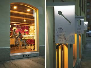 Bares y Clubs de estilo  por mg2 architetture, Moderno