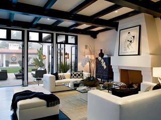White Villa Ausgefallene Wohnzimmer von Hot Dog Decor Inneneinrichtung & Beratung Ausgefallen