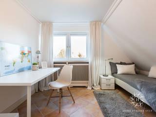 Home Staging Doppelhaus in Westerland/Sylt:  Kinderzimmer von Home Staging Sylt GmbH