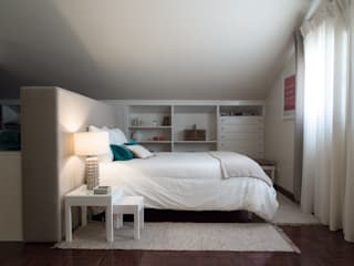 Modern style bedroom by MUDA Home Design Modern