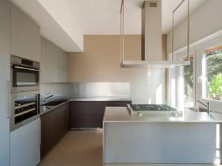Cozinhas  por stefania eugeni, Minimalista