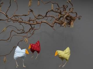 Hühnerfamilie  zu Ostern und Frühling:   von Rosenbluete