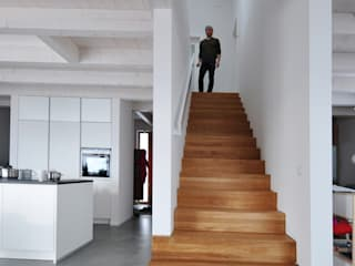 Pakula & Fischer Architekten GmnH Eclectic style corridor, hallway & stairs