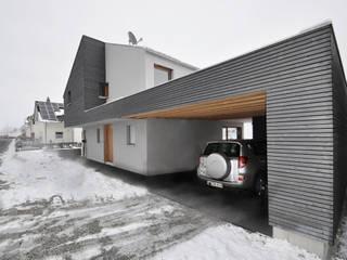 Pakula & Fischer Architekten GmnH Eclectic style garage/shed