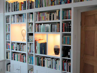 Large fitted bookshelves, white painted: modern Study/office by Freebird Fitted Furniture
