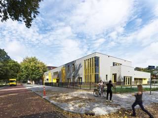 Gevel aan de Nassauweg (Foto: Petra Appelhof):  Scholen door Ector Hoogstad Architecten