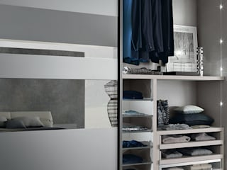 segmenta - Sliding glass door wardrobes Lamco Design LTD СпальняШафи і шафи