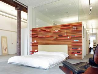 Greene Street Loft:  Bedroom by Slade Architecture
