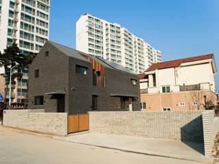 대전 하기동 주택 모던스타일 주택 by (주)오우재건축사사무소 OUJAE Architects 모던