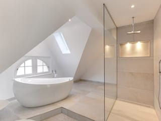 28 Grad Architektur GmbH BathroomBathtubs & showers